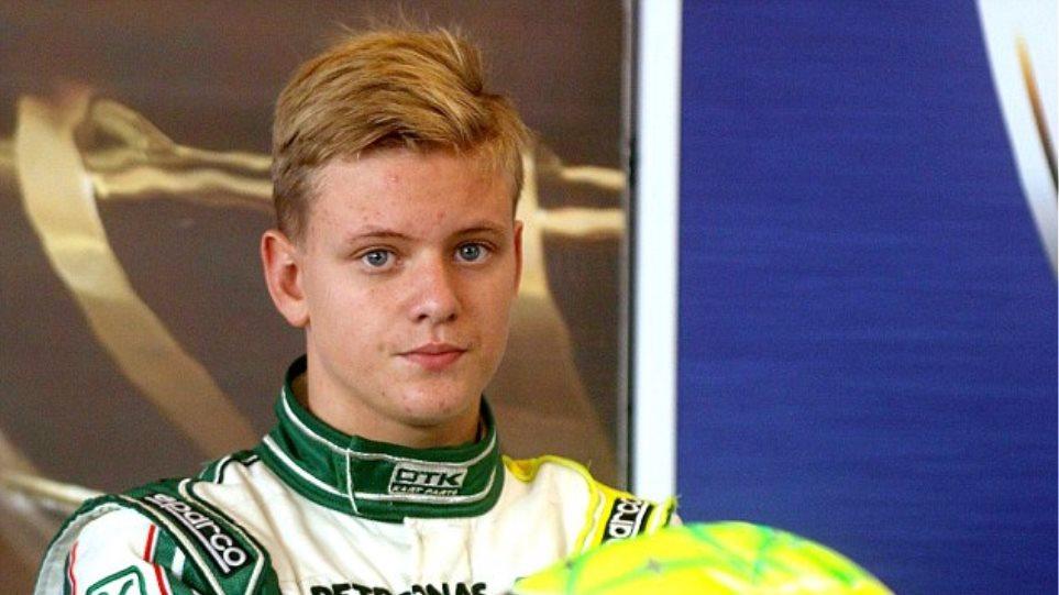 Ο γιος του Σουμάχερ τράκαρε στην προπόνηση για τη Formula 4