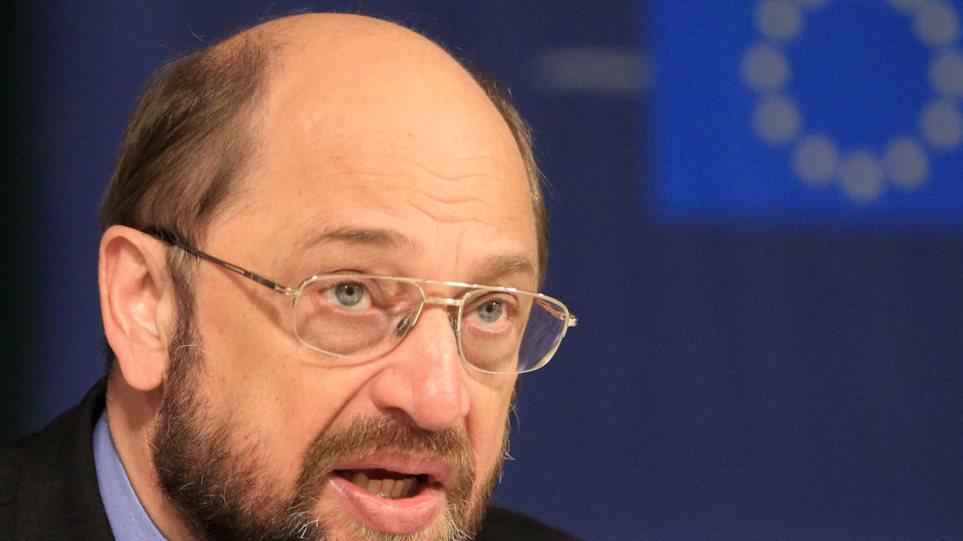 Σουλτς: H οικονομική κατάσταση της Ελλάδας είναι επικίνδυνη