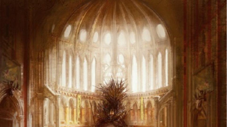 Game of Thrones: Ο Σιδερένιος θρόνος μεταφέρθηκε με γερανό στον Πύργο του Λονδίνου