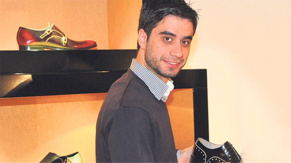 Κωνσταντίνος Θεοφανίδης: «Μεγάλωσα... μέσα σ' ένα παπούτσι»
