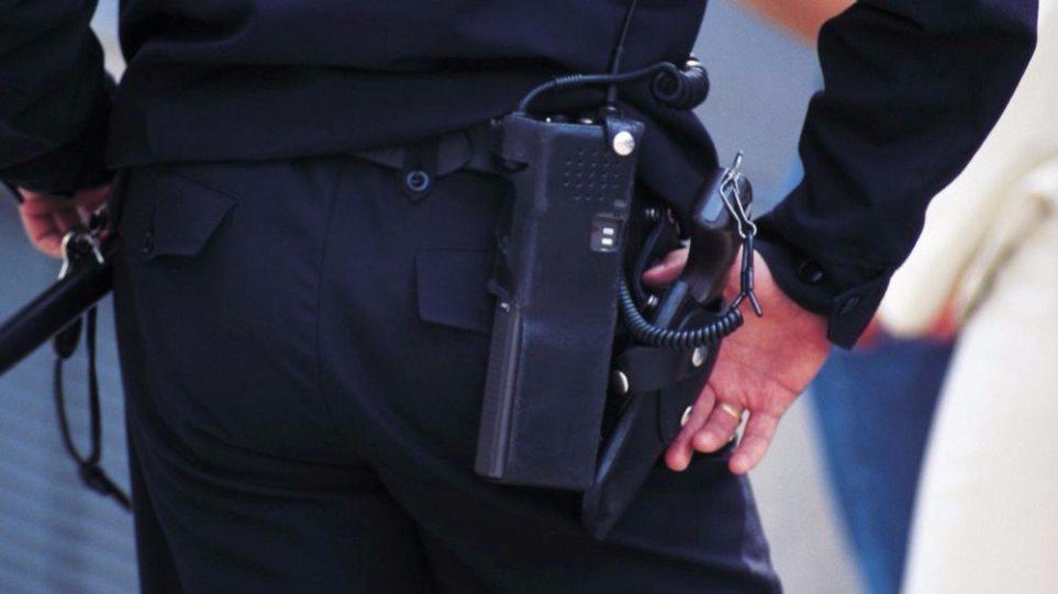 Πάτρα: Αφαιρέθηκαν τα όπλα από τρεις αστυνομικούς λόγω ύποπτης αλλαγής στη συμπεριφορά τους