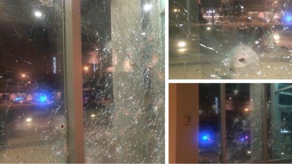 ΗΠΑ: Νεκρός ο δράστης της επίθεσης κατά του αστυνομικού μεγάρου