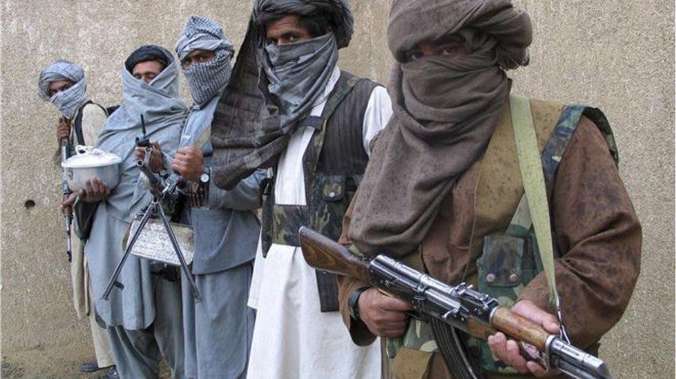 Tουλάχιστον 20 νεκροί από επίθεση Ταλιμπάν σε αστυνομικό τμήμα στο Αφγανιστάν