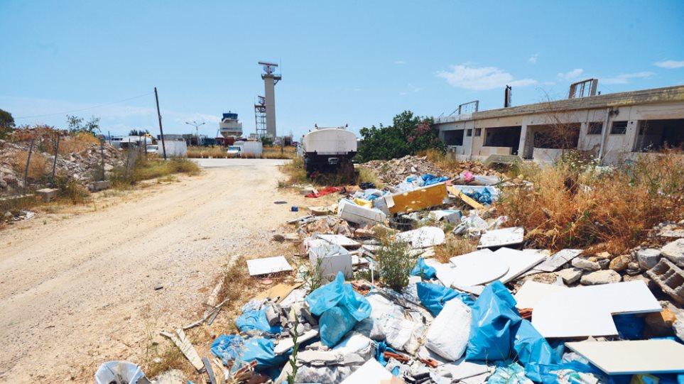 Φωτογραφίες: Έκαναν χωματερή το Ελληνικό πριν προλάβει η Βαλαβάνη
