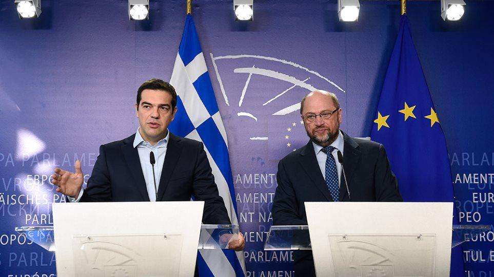 Σουλτς σε Τσίπρα: Αν οδηγήσεις τη χώρα σε Grexit, ο λαός θα σε «σταυρώσει»