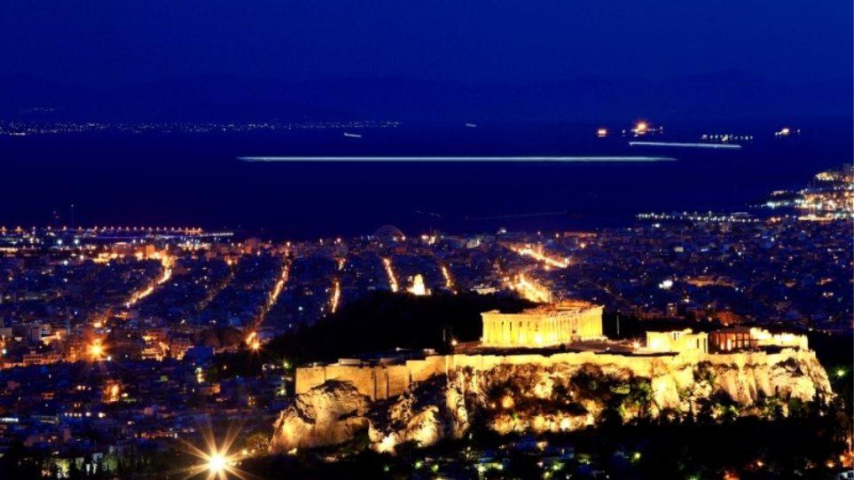'Ολη η Αθήνα «μεταμορφώνεται» σε μία τεράστια υπαίθρια σκηνή!