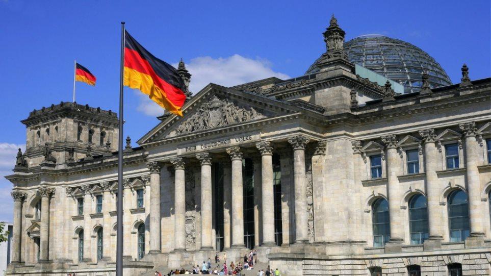 Reuters: Η ελληνική κυβέρνηση φέρεται ανεύθυνα, λένε Γερμανοί πολιτικοί