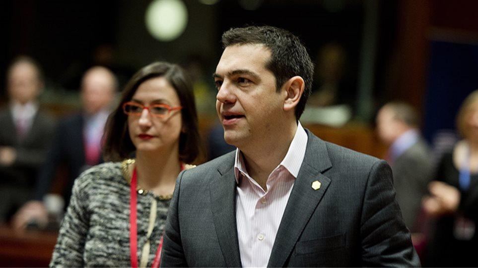 Τσίπρας: Θα υπάρξει λύση για ανάπτυξη μέσα στο ευρώ