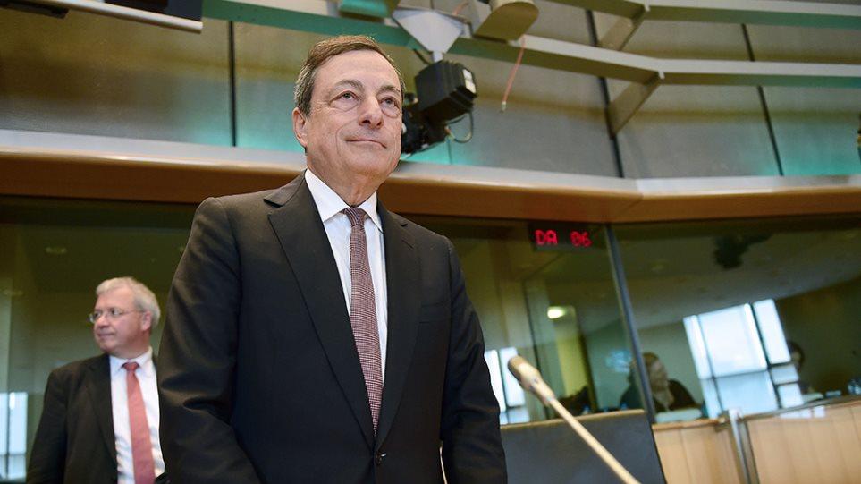 ΕΚΤ σε Αθήνα: Βάλτε capital controls, αλλιώς χρηματοδότηση τέλος