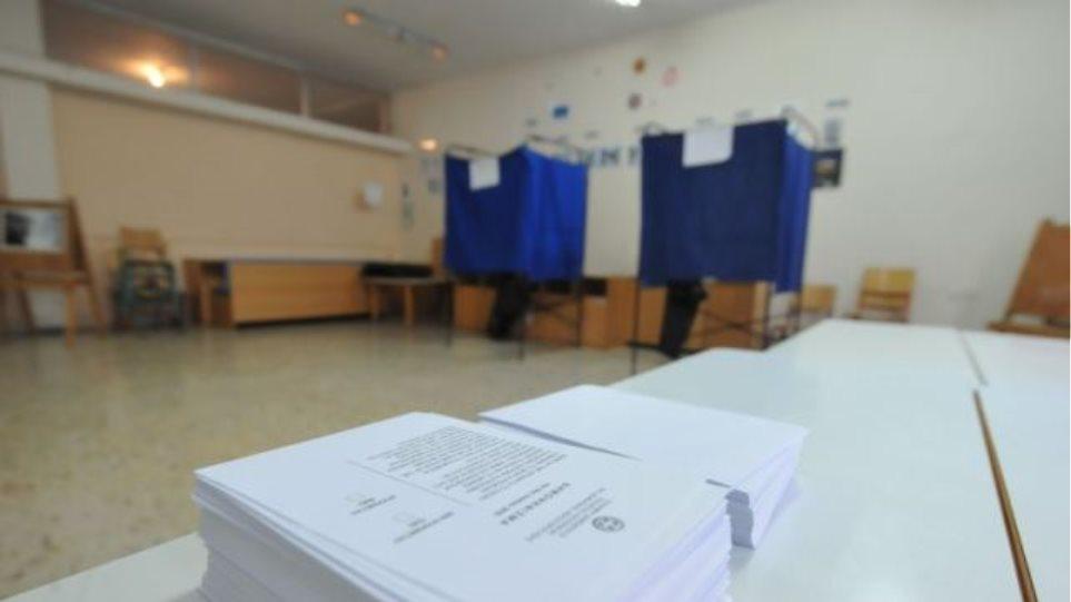 «Ναι» στο δημοψήφισμα ψήφισαν σε Εξάρχεια, Κολωνάκι και Άγιο Παντελεήμονα