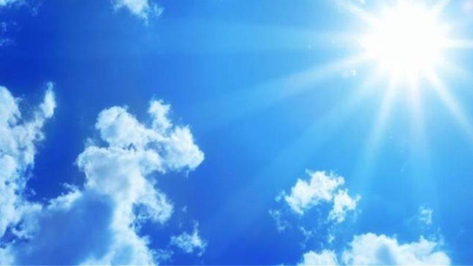 Καιρός: Ηλιοφάνεια αλλά και νεφώσεις στα ηπειρωτικά