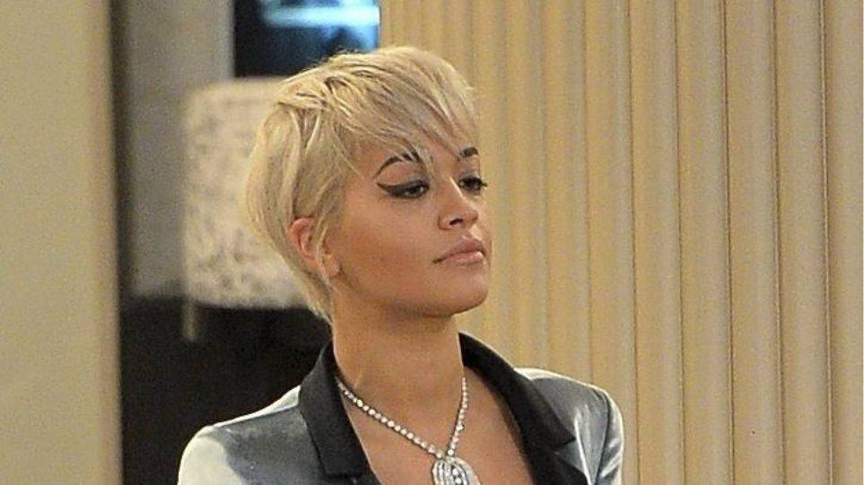 Rita Ora: Το νέο της καυτό nip slip