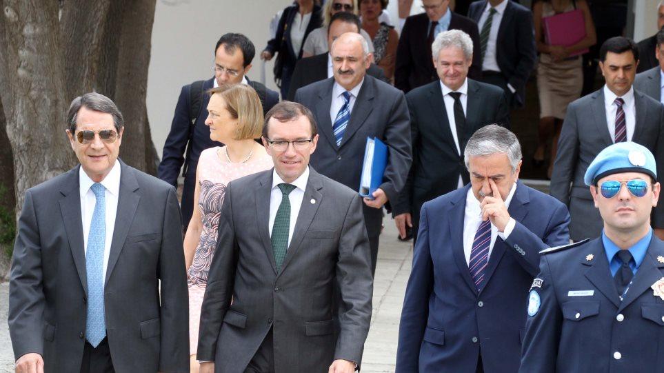 Ξεκίνησαν οι διαπραγματεύσεις για το Κυπριακό