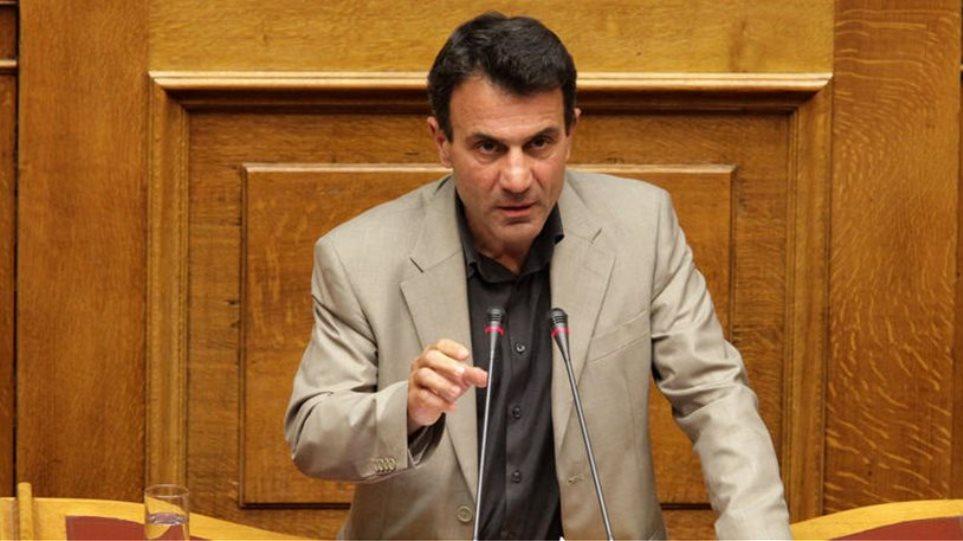 Λαπαβίτσας: Να προετοιμαστούμε για Grexit γιατί θα το βρούμε μπροστά μας