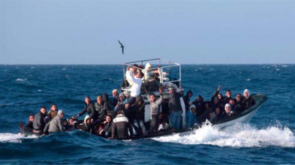 Ακυβέρνητο πλοίο με μετανάστες πλέει ανοιχτά της Ζακύνθου
