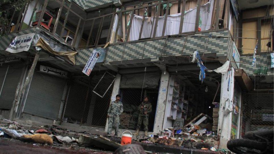 Αφγανιστάν: Επίθεση αυτοκτονίας με 17 νεκρούς κοντά σε αμερικανική βάση