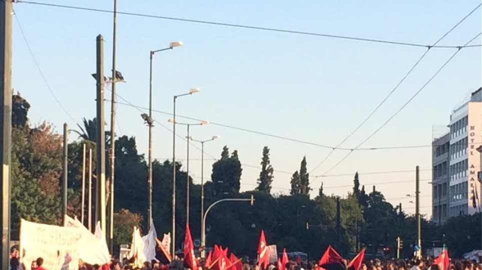 Πορεία αντιεξουσιαστών προς την Βουλή
