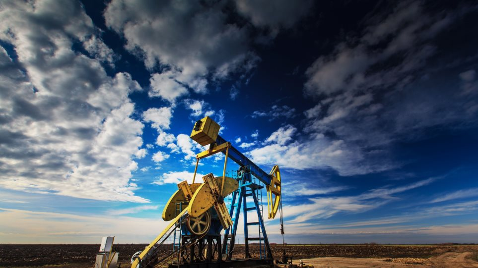 Υποχωρεί το πετρέλαιο εν όψει συμφωνίας για το πυρηνικό πρόγραμμα του Ιράν