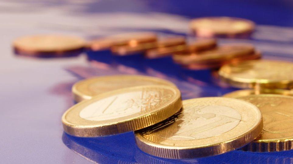 Συνεχίζει να «κόβει» ευρώ το ελληνικό κράτος