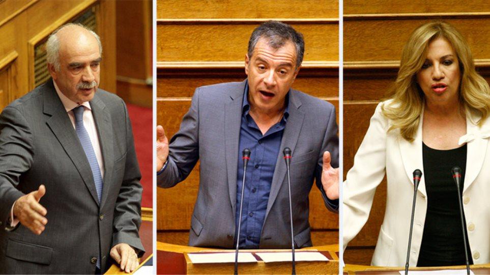 «Κάνε κυβέρνηση, κ. Τσίπρα», το κοινό μήνυμα της αντιπολίτευσης στον πρωθυπουργό