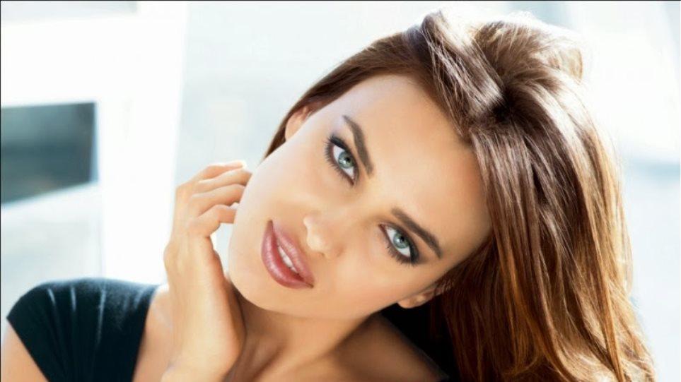 Η Irina Shayk γυμνή στην πολυτελή μπανιέρα της