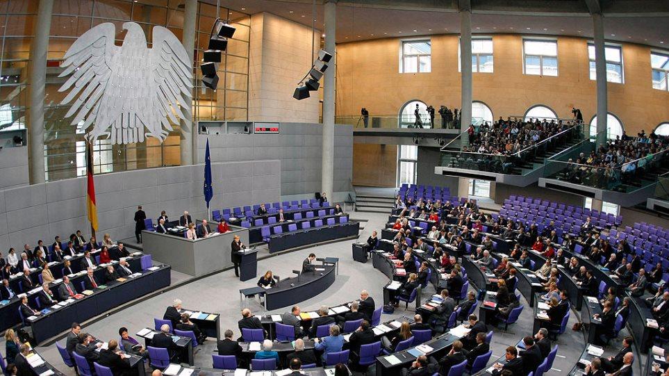 Όπερμαν (SPD) εναντίον Βάγκενκνεχτ (Die Linke): «Όταν σας ακούω, δεν θεωρώ ότι ο Τσίπρας είναι τόσο κακός»