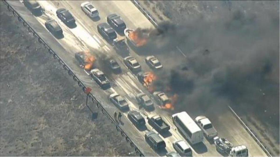 ΗΠΑ: Εκκενώσεις κατασκηνώσεων λόγω πυρκαγιάς