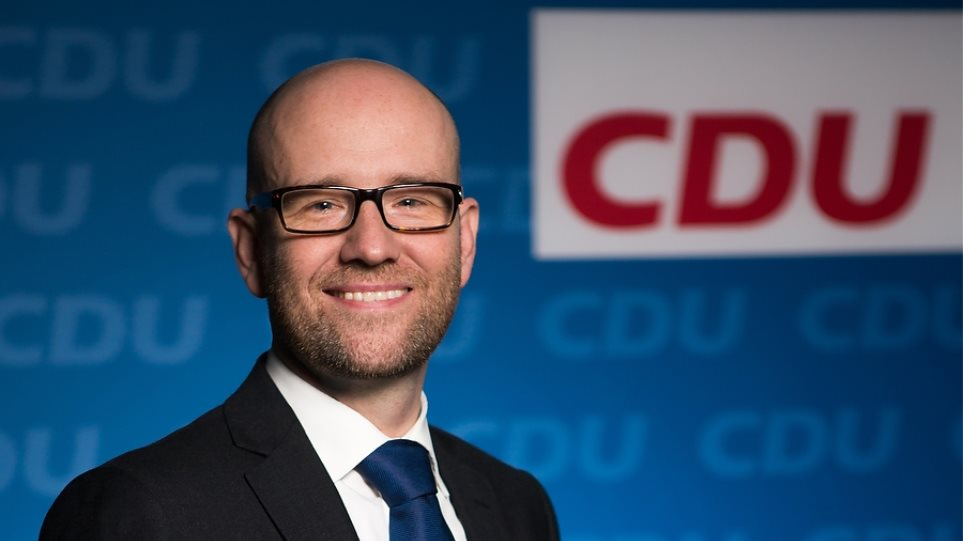 Τάουμπερ (CDU): Οι Γερμανοί βουλευτές που καταψήφισαν την ελληνική συμφωνία να αναθεωρήσουν