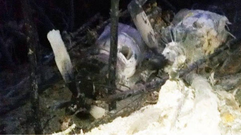 Φωτογραφίες: Ολοσχερώς καταστράφηκε το Canadair στη Νεάπολη Λακωνίας