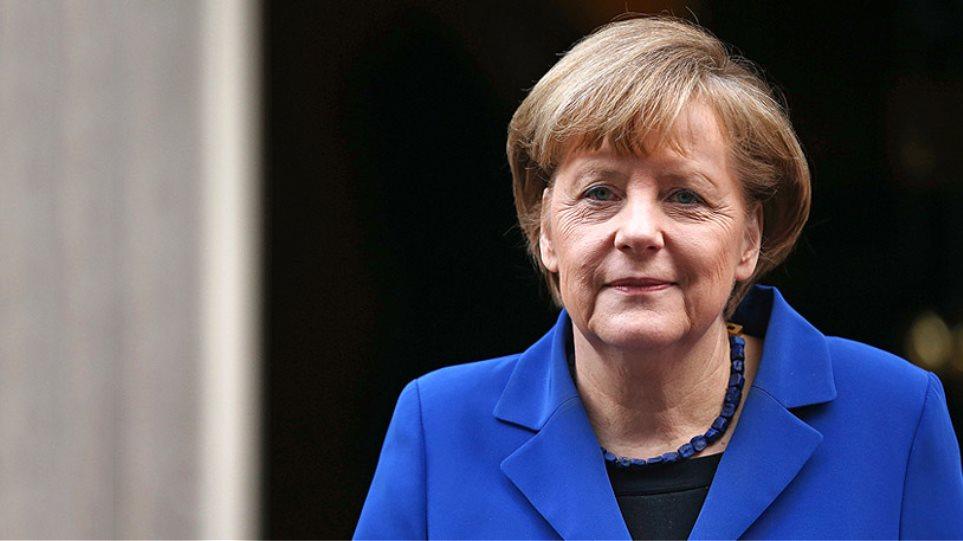 Μήνυμα Μέρκελ για το χρέος: «Κούρεμα» μόνο εκτός ευρωζώνης