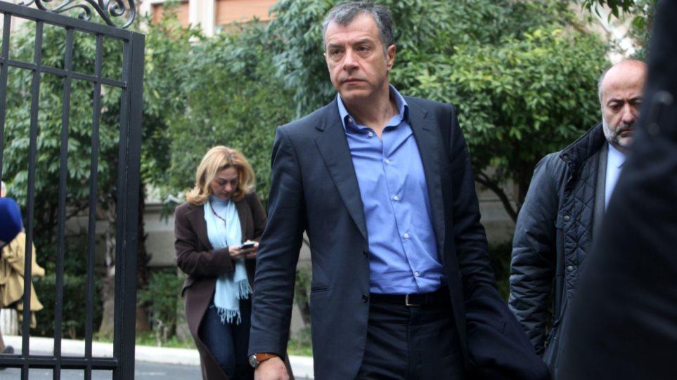 Θεοδωράκης: Ο πρωθυπουργός επέλεξε πάλι μετριότητες