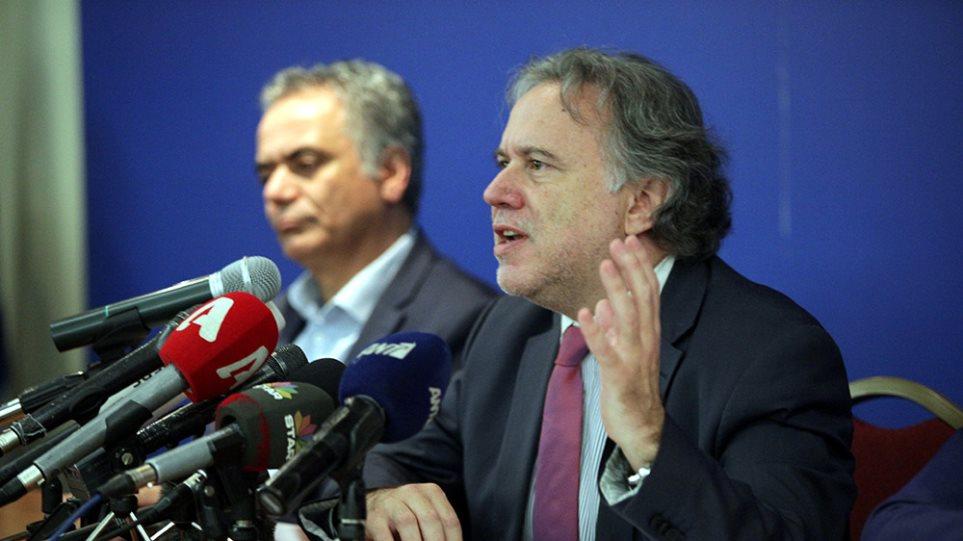 Κατρούγκαλος: Η συμφωνία δεν είναι Βάρκιζα γιατί δεν παραδόθηκαν τα όπλα, δηλαδή η εξουσία...