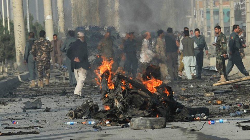 Αφγανιστάν: Νεκροί δεκατέσσερις στρατιώτες από αεροπορική επιδρομή των ΗΠΑ