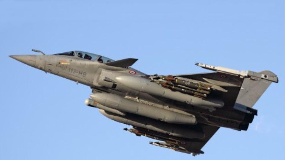 Λιβύη: Πολεμικό αεροπλάνο βύθισε πλοίο με μαχητές και όπλα