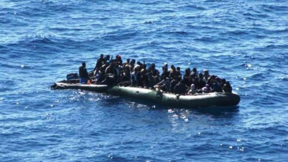 Ακυβέρνητη λέμβος με 200 μετανάστες νότια της Καρπάθου
