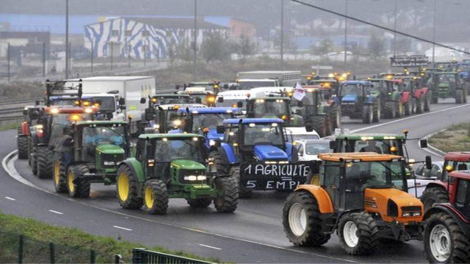 Γαλλία: Διαμαρτυρία κτηνοτρόφων για τις αυξήσεις των τιμών