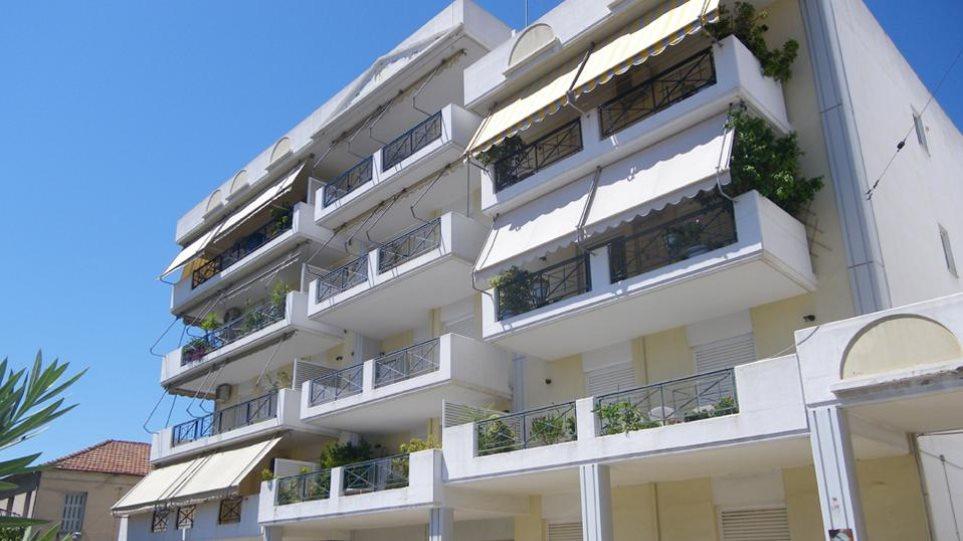 To σχέδιο της κυβέρνησης για να γλιτώσει από το «σφυρί» η πρώτη κατοικία