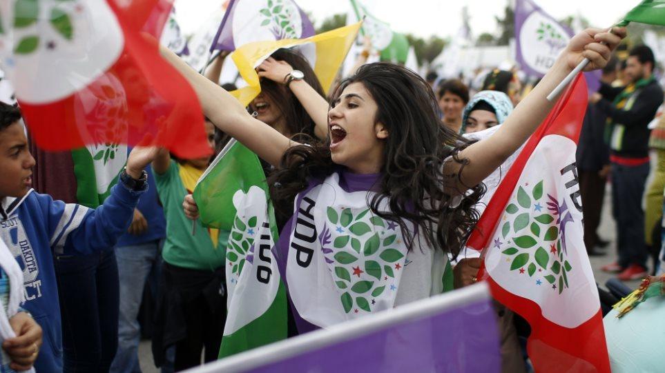 Τουρκία: «Ναι» σε μια προσωρινή κυβέρνηση, λέει το φιλοκουρδικό κόμμα  HDP