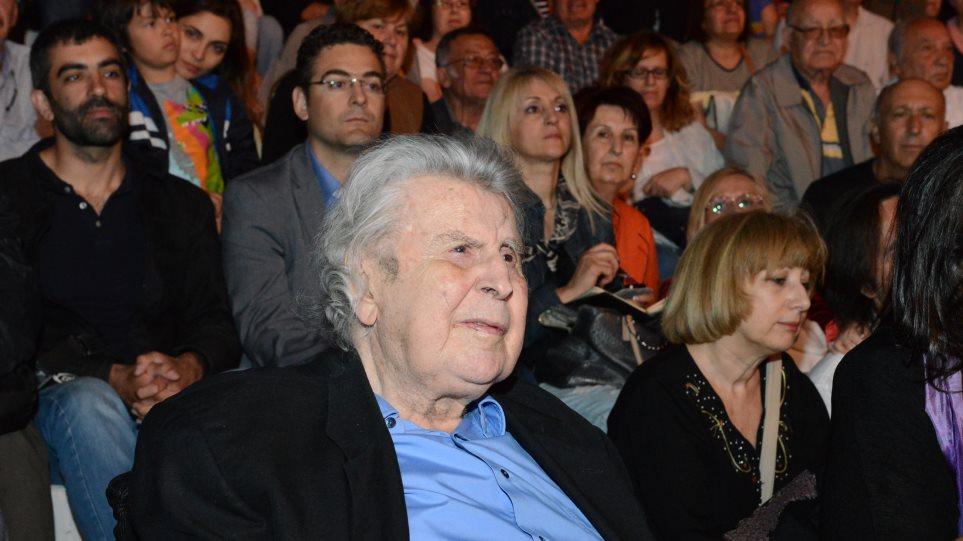 Ο Μίκης Θεοδωράκης καλεί τον Λαφαζάνη να μην μετάσχει στις εκλογές
