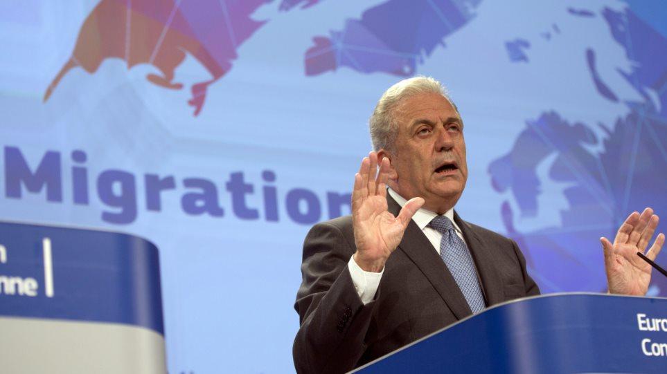 Αβραμόπουλος: Δεν συμφωνούμε με περιορισμούς της ελεύθερης κυκλοφορίας των Ευρωπαίων πολιτών