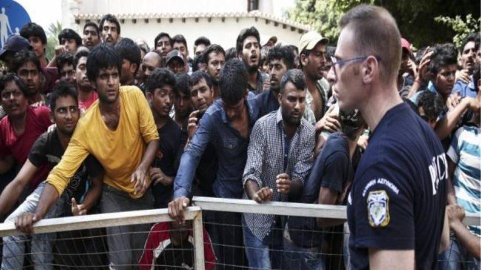 Αστυνομικές ενισχύσεις από την Αθήνα σε Λέσβο και Κω για τους πρόσφυγες