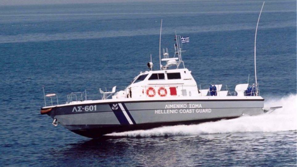 Θρίλερ με φορτηγό πλοίο φορτωμένο όπλα ανοιχτά της Κρήτης