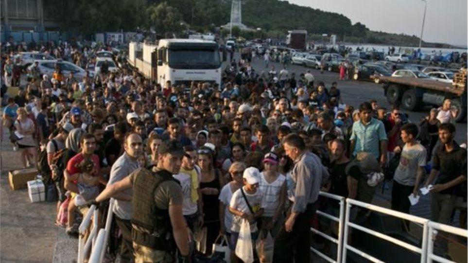 Αριθμός-ρεκόρ 2.200 προσφύγων έφτασαν στη Βαυαρία μέσα σε 24 ώρες