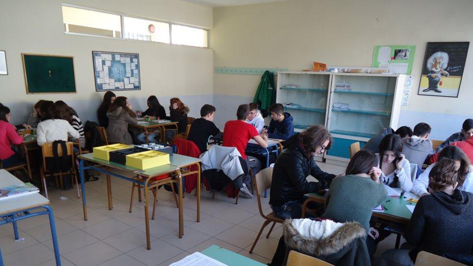 «Αδειάζει» ΣΥΡΙΖΑ η Κομισιόν: Δεν λάβαμε αίτημα εξαίρεσης της ιδιωτικής παιδείας από τον ΦΠΑ 23%