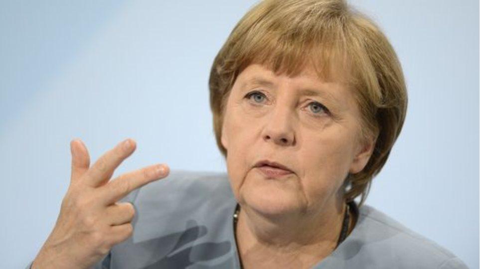 Guardian: Η Μέρκελ συνειδητοποίησε πώς μία ανθρωπιστική κρίση απειλεί τις θεμελιώδεις αρχές της ηπείρου