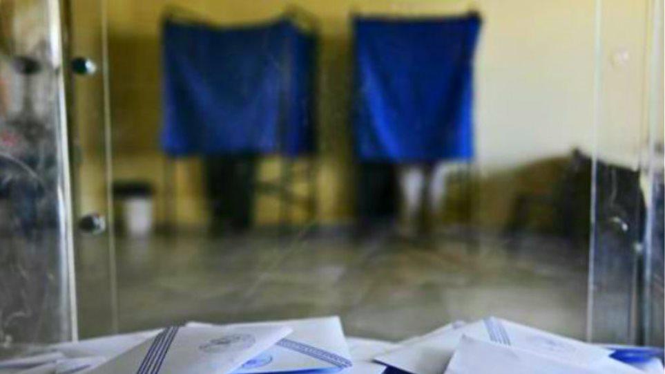 Exit poll: Αυτά είναι τα ποιοτικά χαρακτηριστικά της ψήφου στα δύο μεγαλύτερα κόμματα