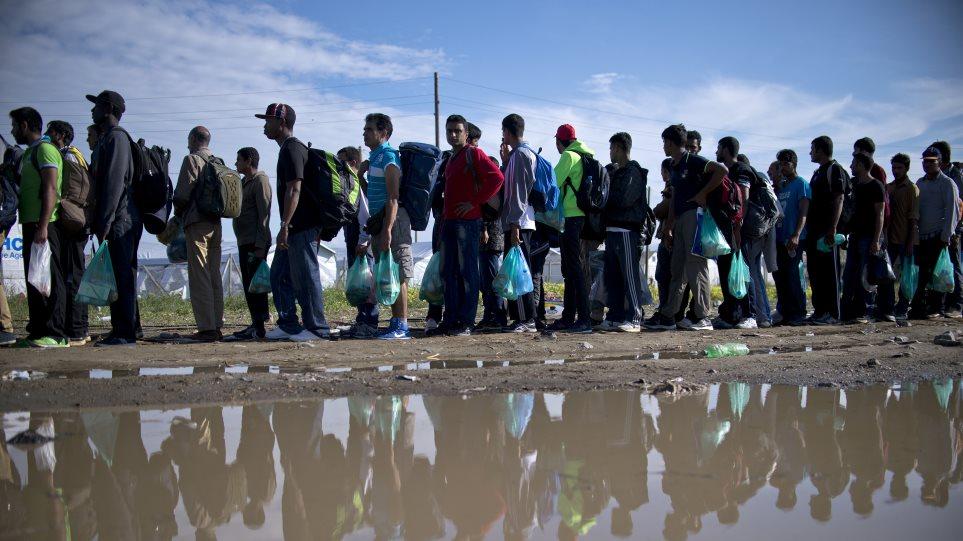 Κρίσιμα τα επόμενα 24ωρα για την αντιμετώπιση της προσφυγικής κρίσης