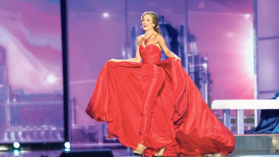 Μπέτι Καντρέλ: Η Ελληνίδα Βασιλική φόρεσε την κορδέλα της Μις Αμερική