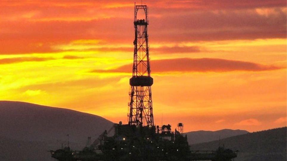 Άνοδος 3,2% στην τιμή του πετρελαίου, απώλειες 0,4% για τον χρυσό