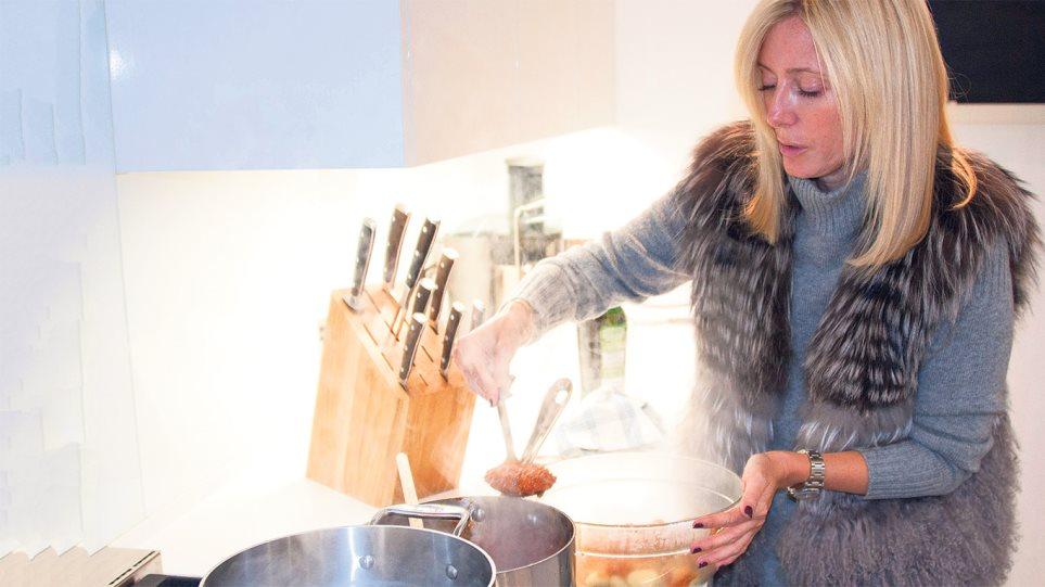 Κάτι ψήνεται στην κουζίνα της Μαρί-Σαντάλ